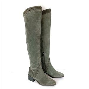 NEW WITHOUT BOX VINCE CAMUTO KARINDA KNEE BOOT 5.5